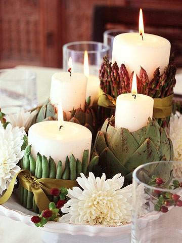 Fagiolino, asparagi e carciofo contengono candele candide, arricchito da semplici nastri