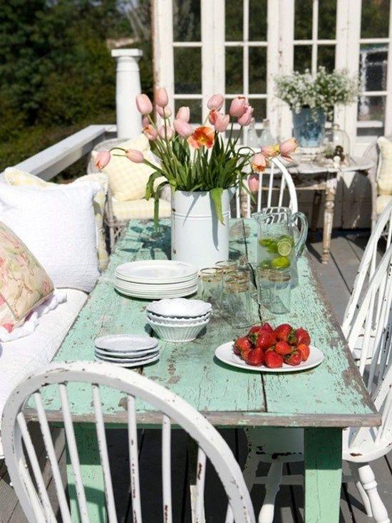 tavolo-verde-decapato_brocca-vetro